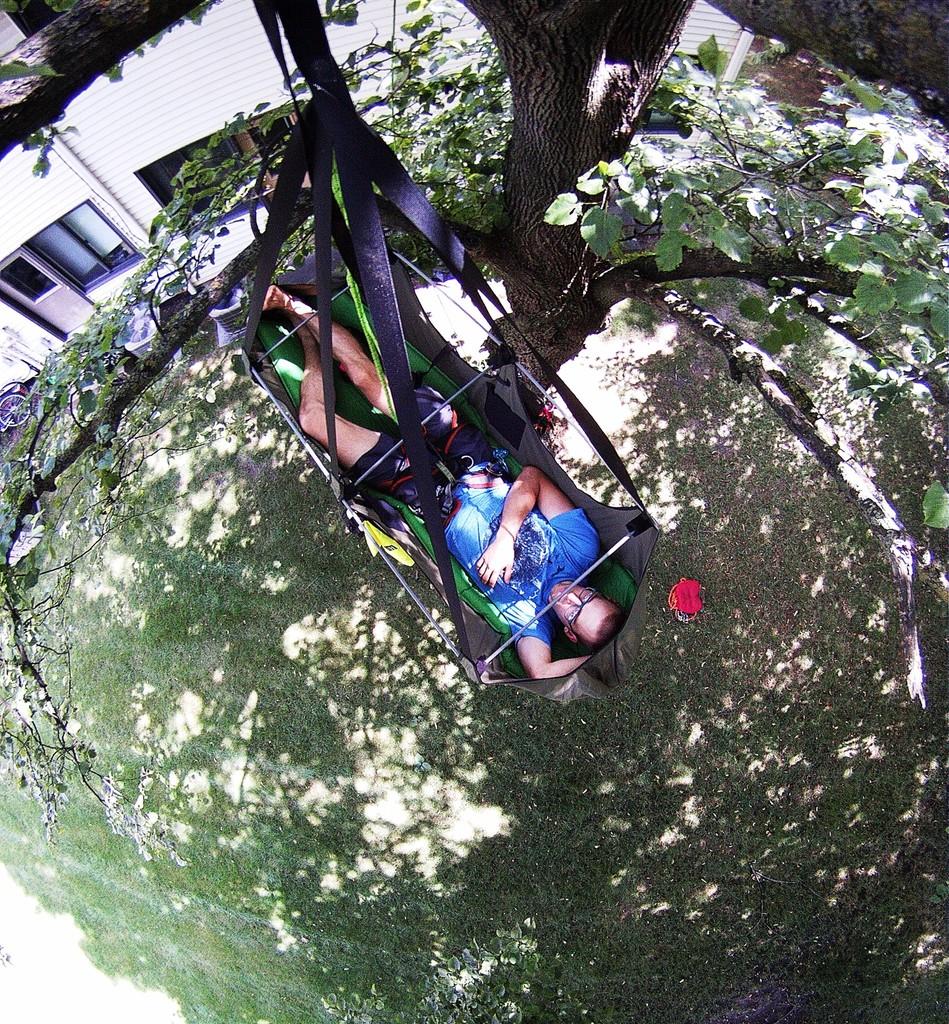 the best climbing hammock video  mosquito hammock u0027s bat hammock review   treefool    rh   treefool